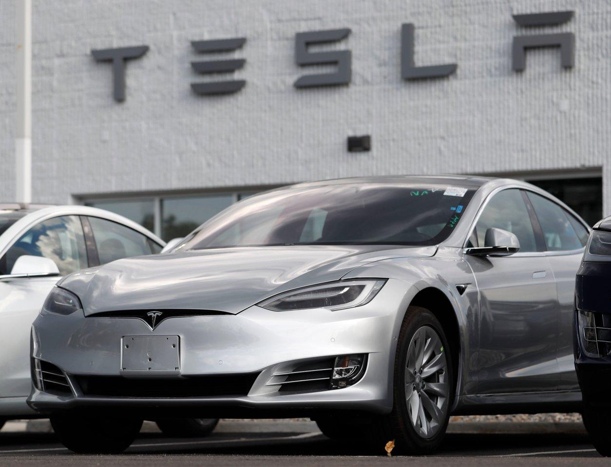 Tesla-Autos altern schneller als erwartet. Das liegt an einem Chip.