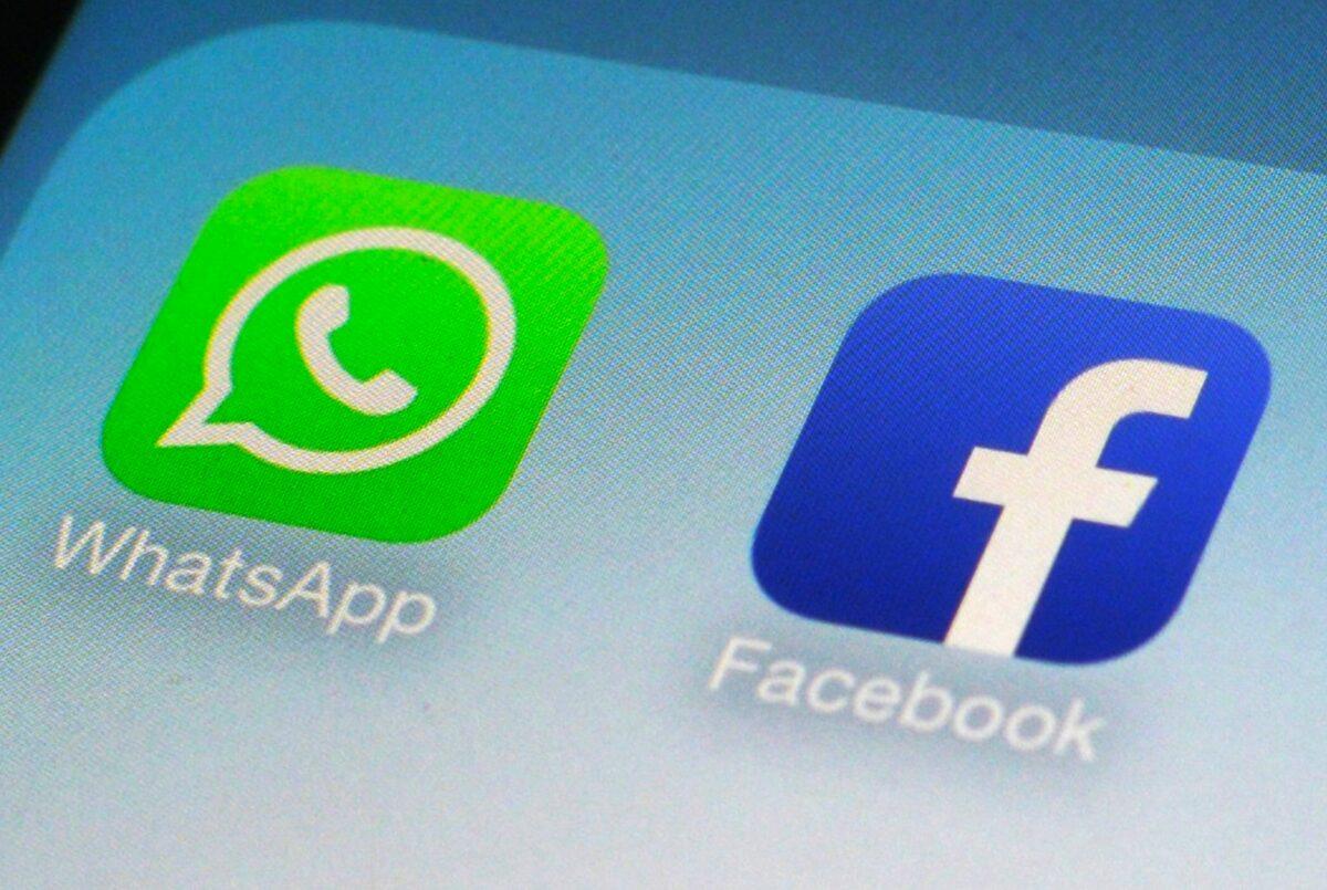 WhatsApp und Facebook auf einem Smartphone.