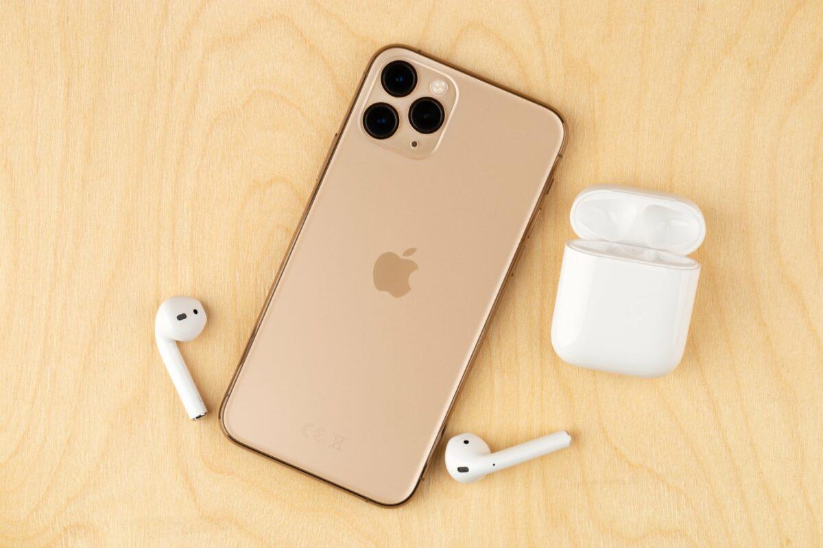 iPhone und AirPods Pro
