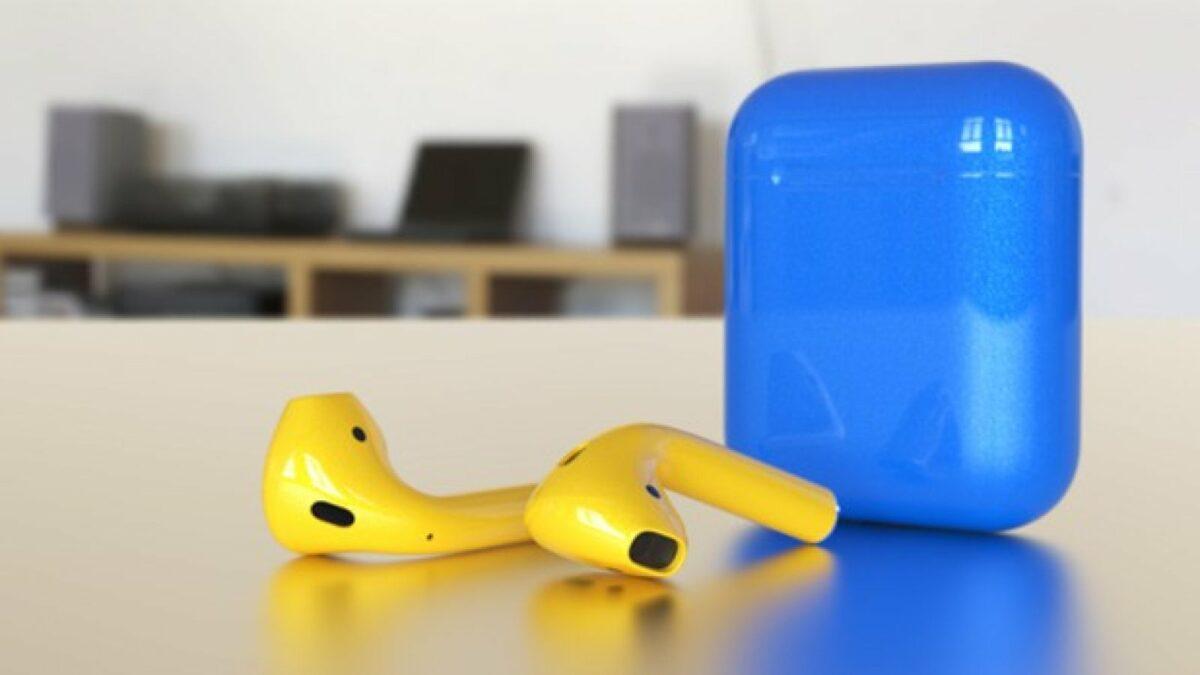 AirPods in Gelb-Blau