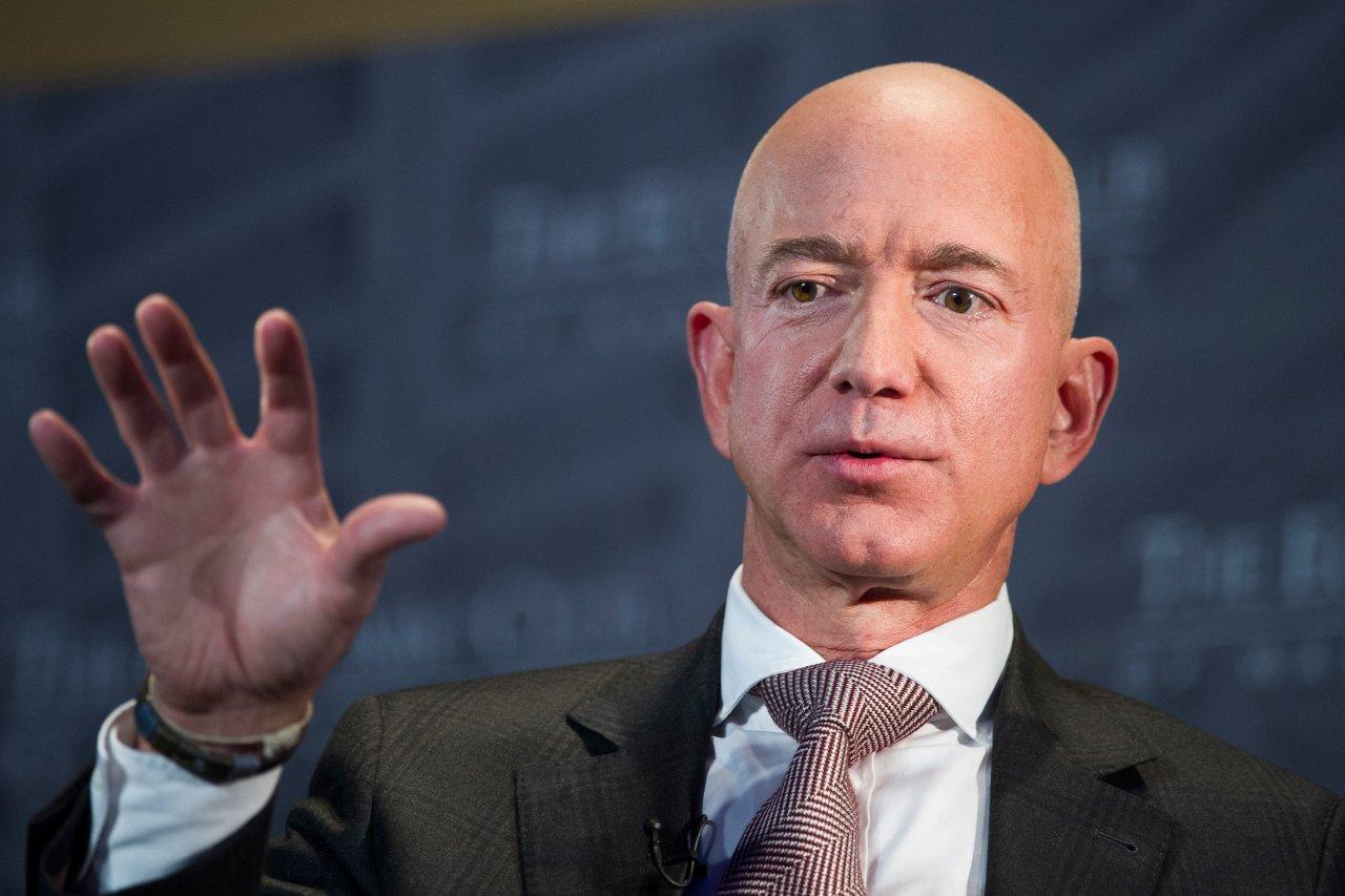 Jeff Bezos macht den Untergang von Amazon an anderen gescheiterten Unternehmen fest.