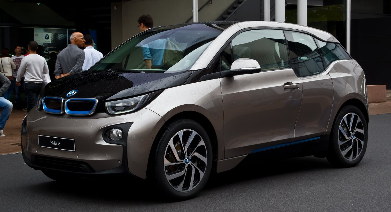 Der i3 von BMW ist bis date der einzige reine Elektrowagen der Bayern.