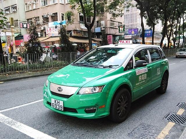 Der BYD e6 wird oft als Taxi oder Lieferfahrzeug eingesetzt.