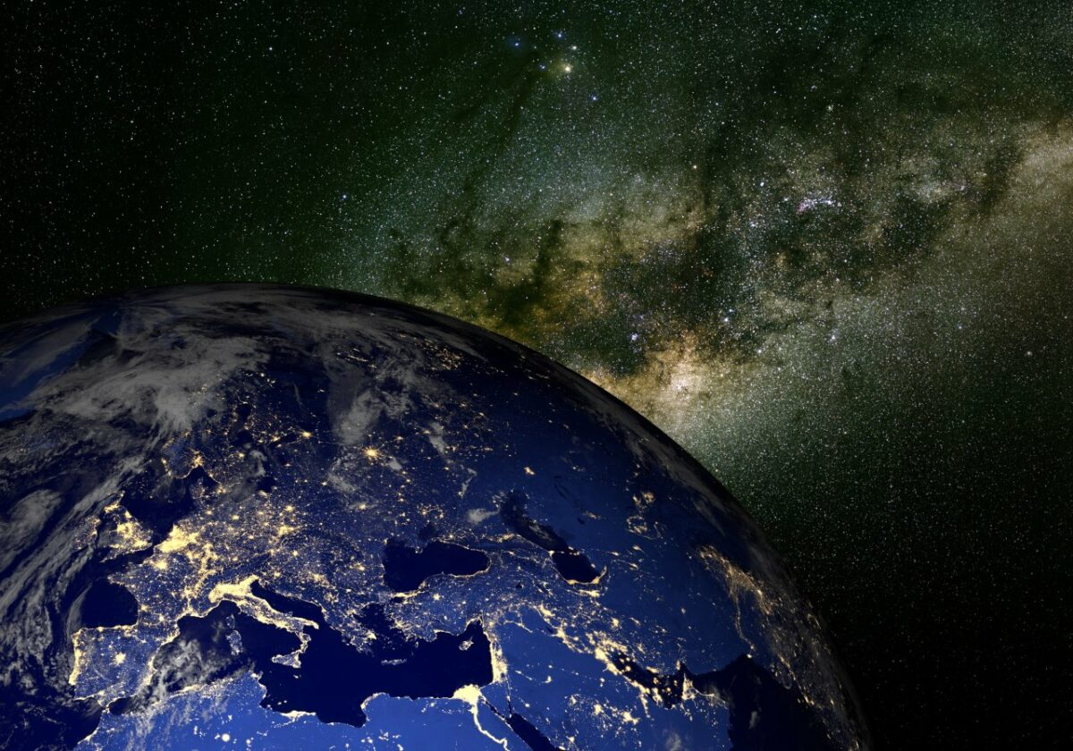 Könntest du im All mit deinem Wissen überleben? Mache unser Astronomie-Quiz.