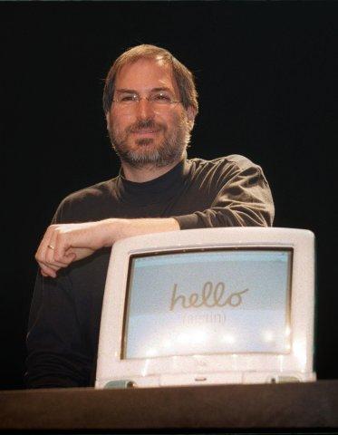 Steve Jobs mit dem iMac G3