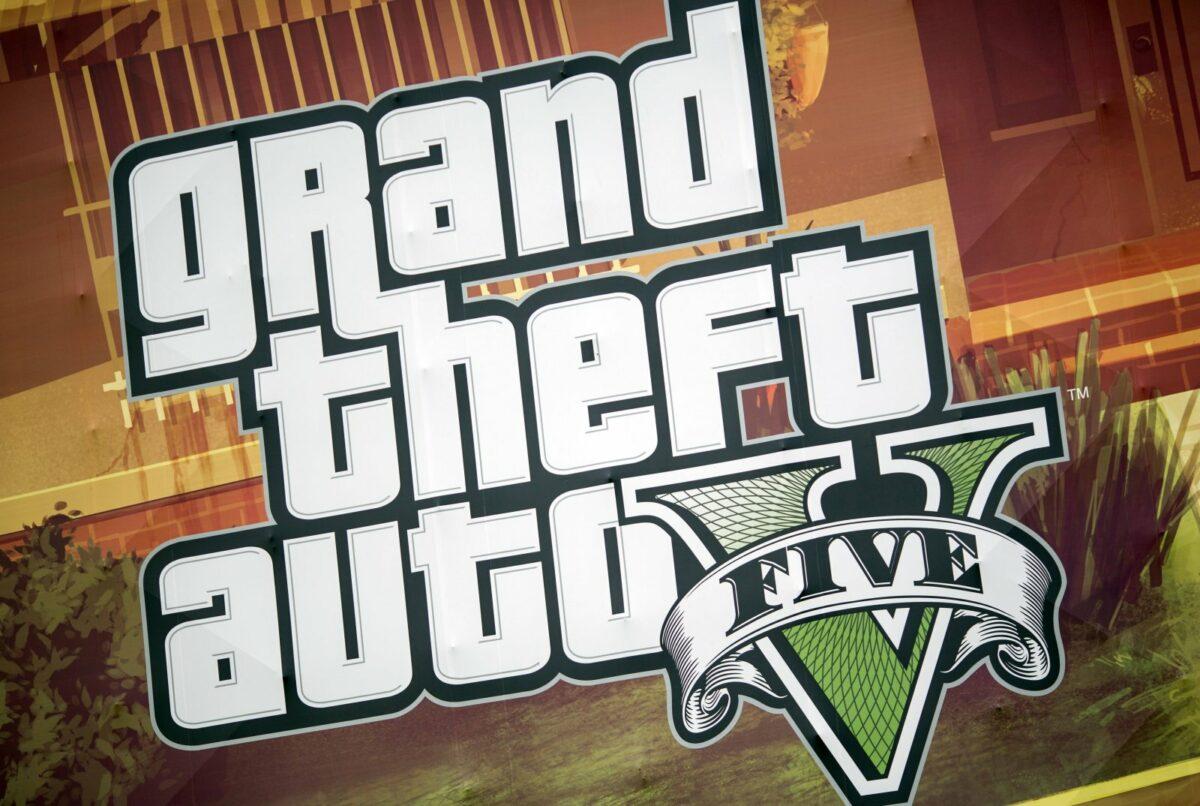 Ein riesiges Plakat wirbt im September 2013 das Computerspiel GTA V