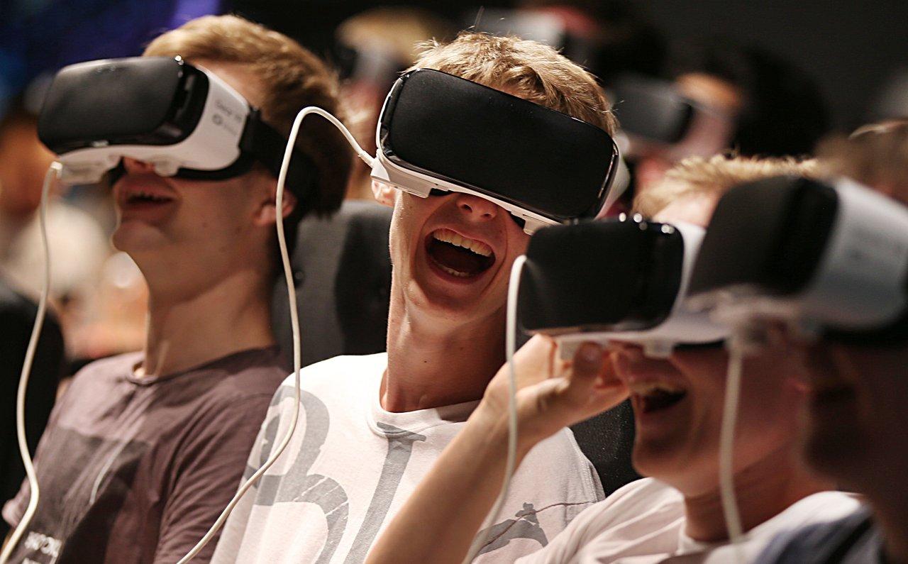 Nicht mehr nur Nerds erfreuen sich an den technischen Spielereien und Spielen.