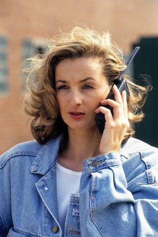 Von den ersten massentauglichen Handys 1994 bis zu den modernen Smartphones ist viel passiert.
