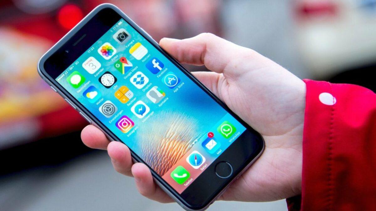 Apple-iPhone in der Hand