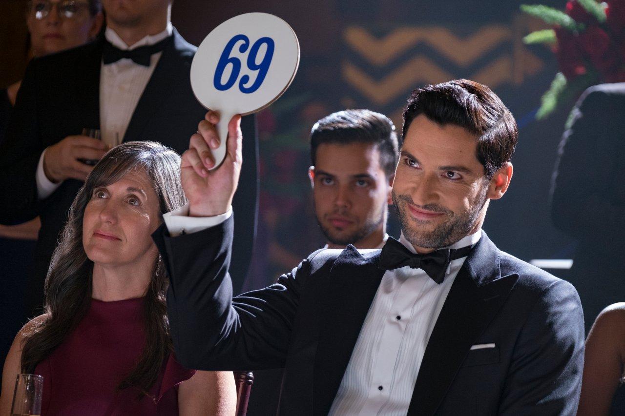 """""""Lucifer""""-Schauspieler Tom Ellis freut sich über eine 5. Staffel. Seinen Fans ist das aber nicht genug..."""