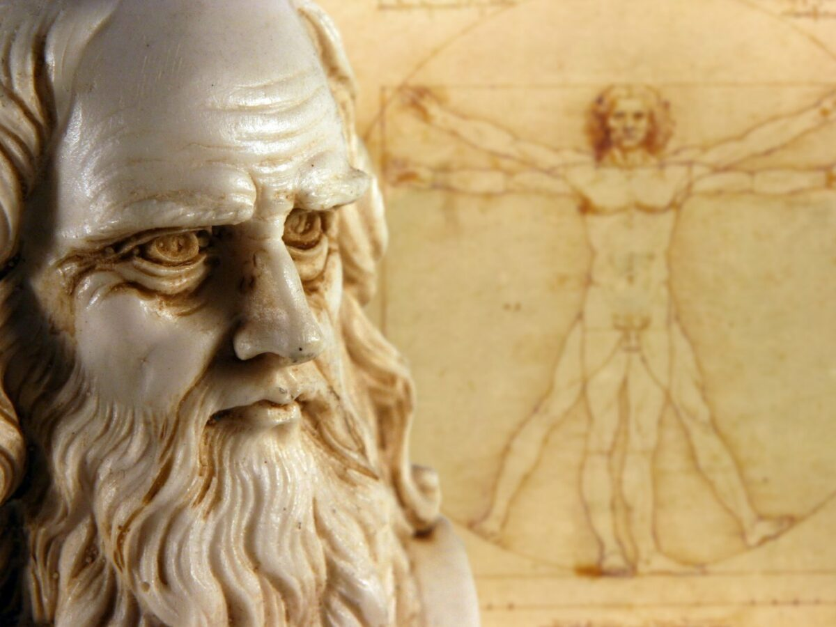Leonardo da Vinci als Statue.