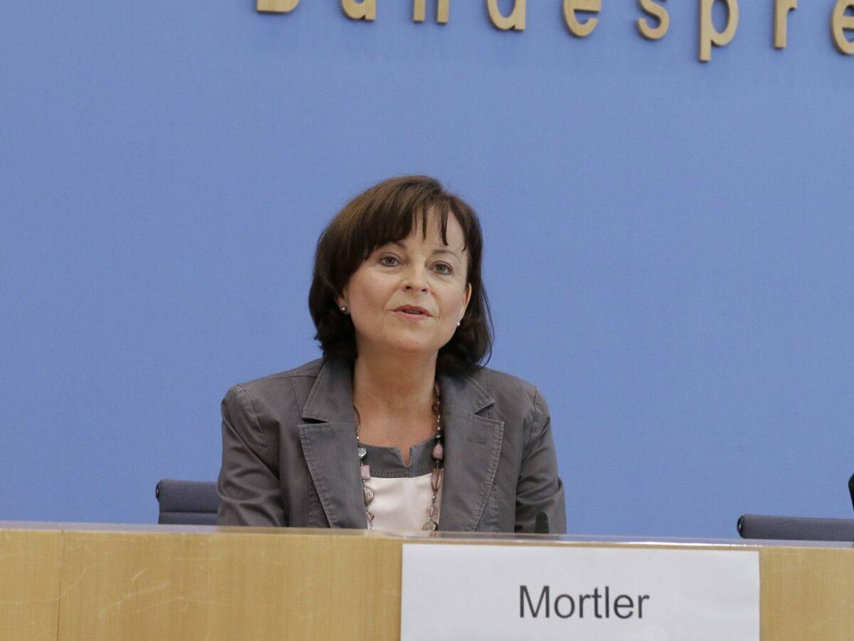 """Marlene Mortler  will die Videospielindustrie für das Thema """"Sucht"""" sensibilisieren."""