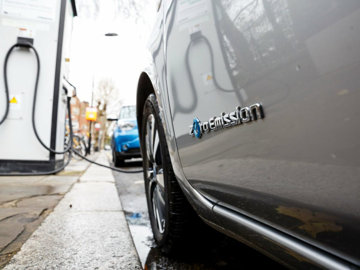 Nissan Leaf wird aufgeladen