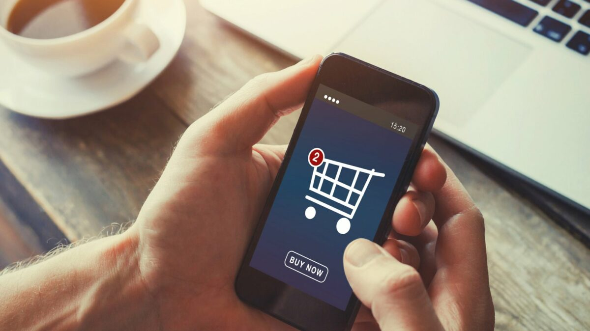 Handy mit Einkaufswagen-Logo