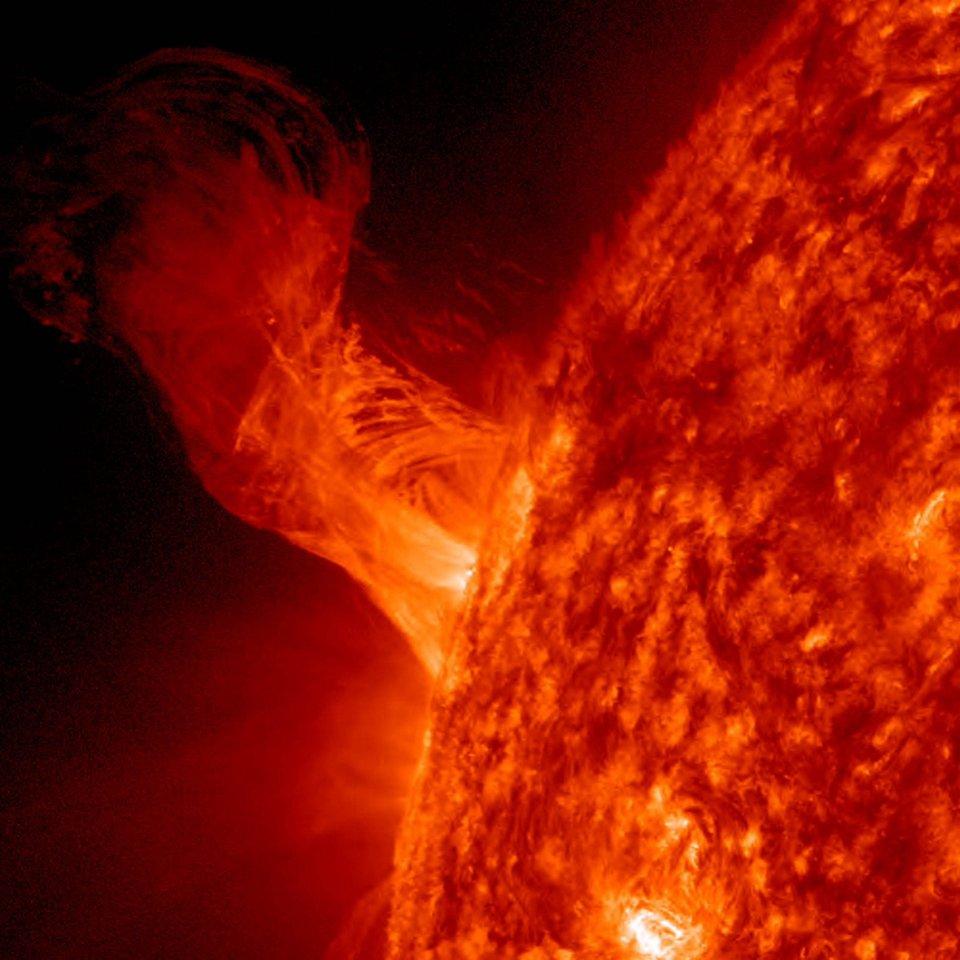 Müll-Entsorgung wäre so einfach, wenn die Gravitation der Sonne nicht wäre.