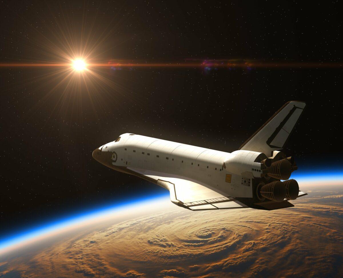 Raumschiff auf dem Weg zu Sonne