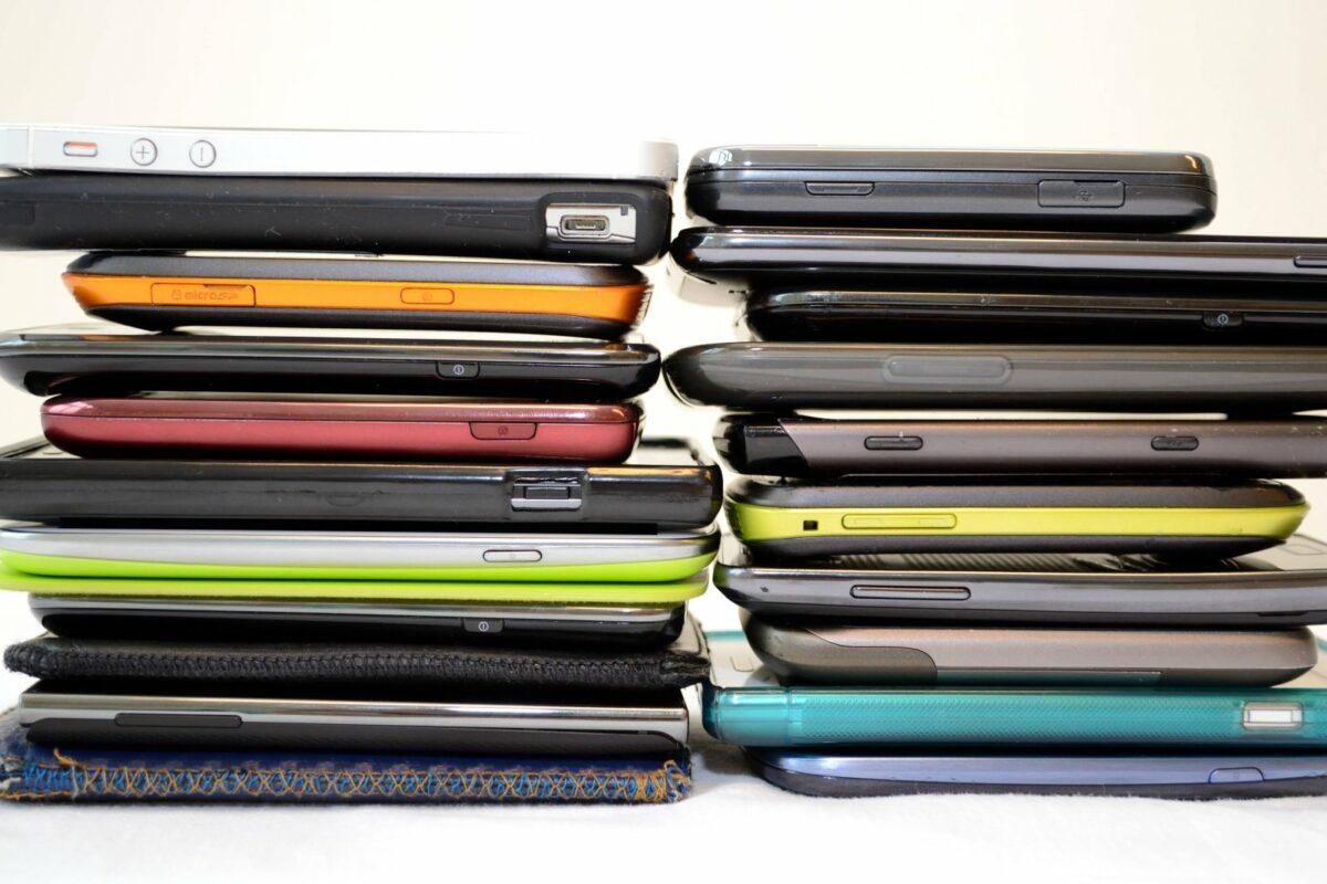 Gestapelte Smartphones