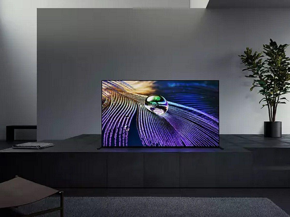 83-Zoll-OLED-TV von Sony im Wohnzimmer.