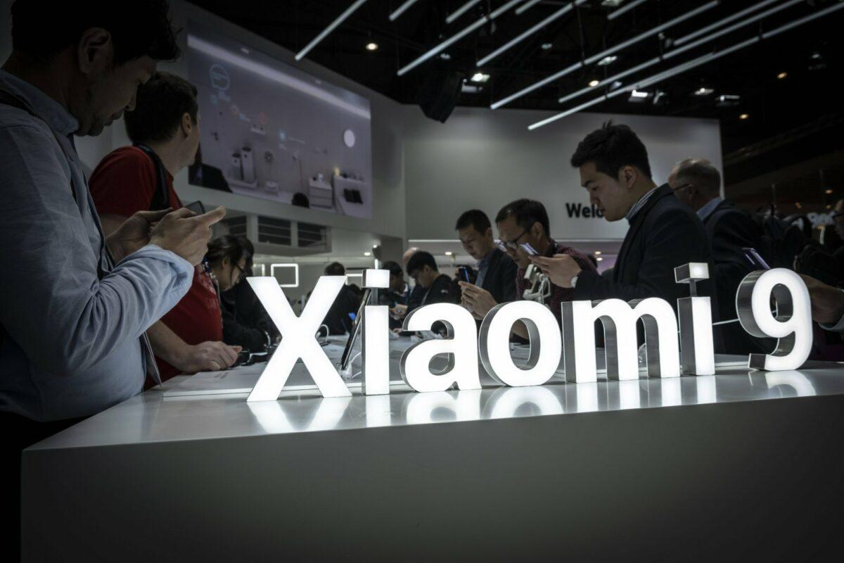 User testen ein paar Xiaomi-Geräte.