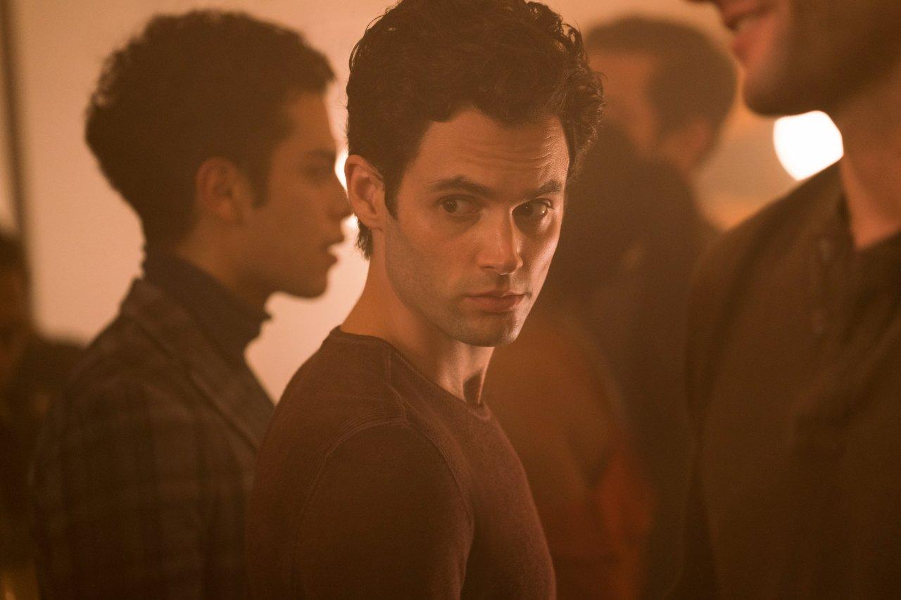 """In Staffel 2 von """"You"""" muss sich Joe weiterhin mit den Opfern der Vergangegnheit beschäftigen."""
