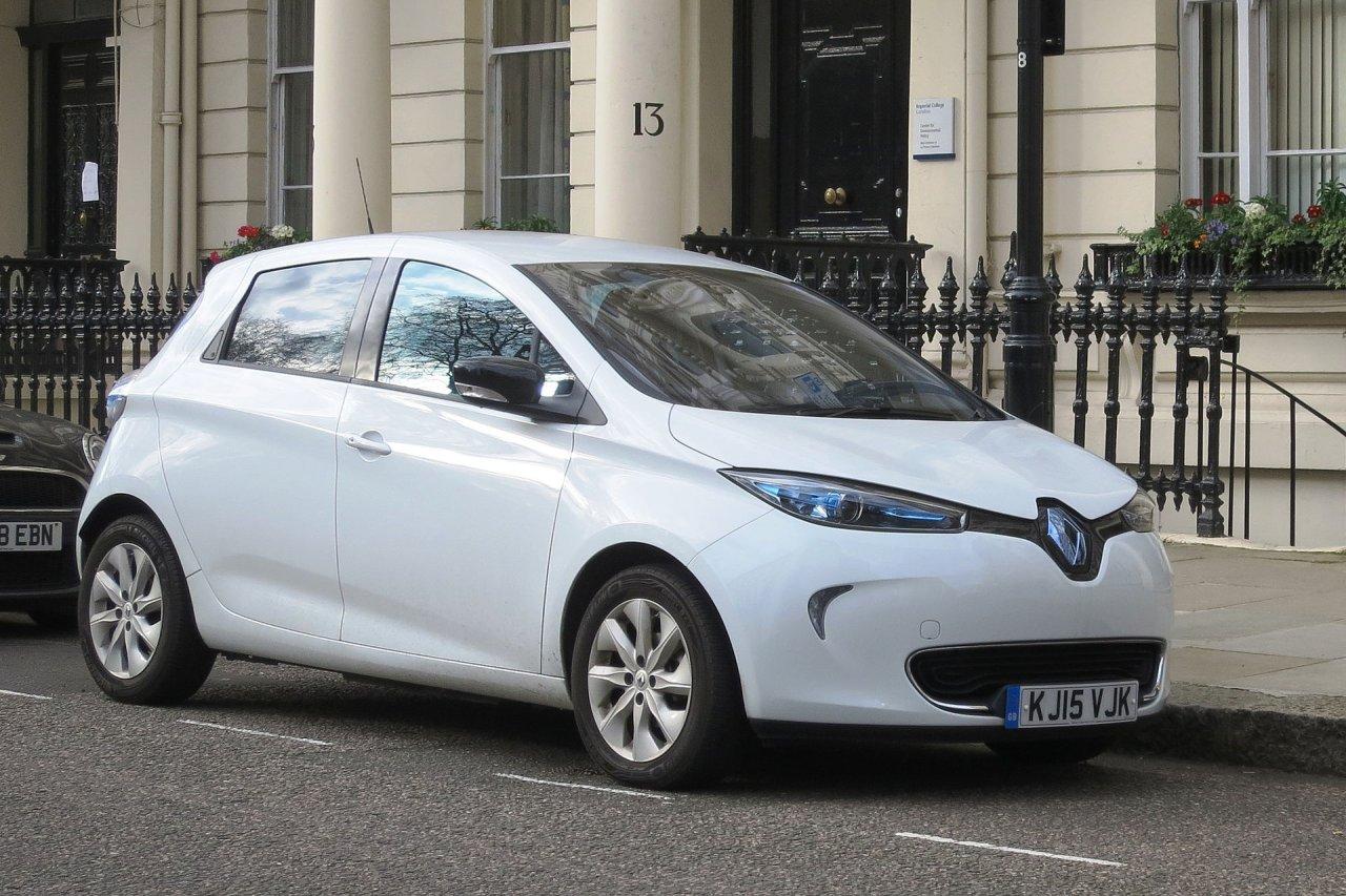 Der Zoe basiert auf der gleichen Plattform wie der Kleinwagen Clio.