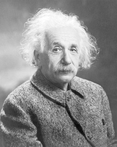 Albert Einstein gilt als einer der bedeutendsten Physiker der Geschichte. Seine Relativitätstheorie bildet das Fundament unseres physikalischen Weltbildes.