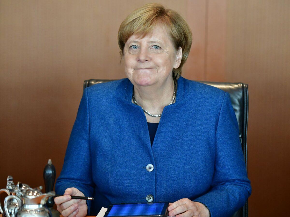 Angela Merkel mit Tablet