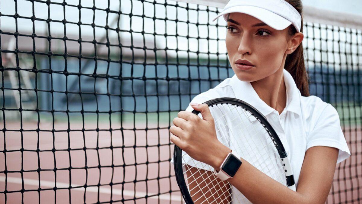tennis-spielerin-mit-apple-watch