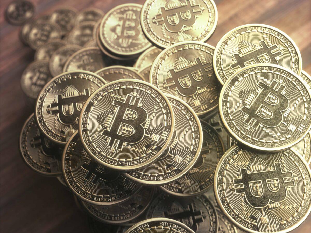 Ein Stapel Bitcoin-Münzen