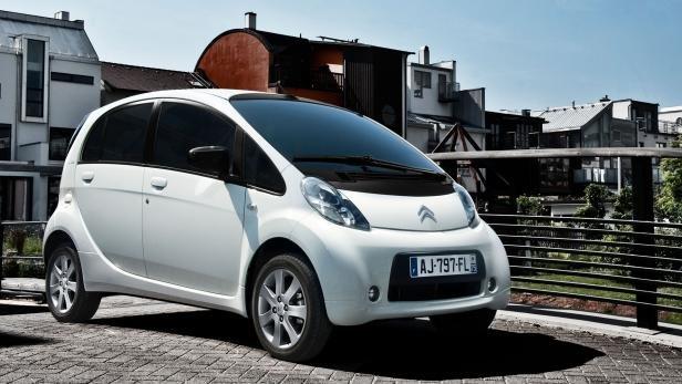 Der Citroën C-Zero hat übrigens zwei identische Klone.