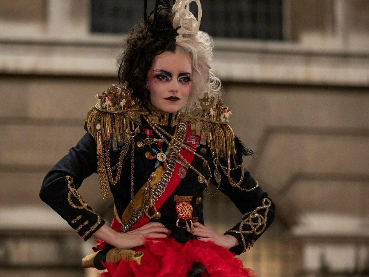 Emma Stone als Cruella.