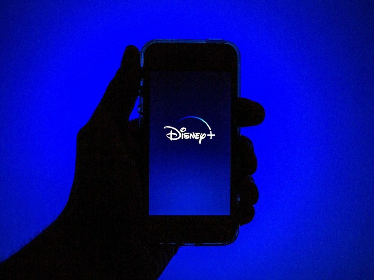Disney Plus-Logo auf dem Handy.
