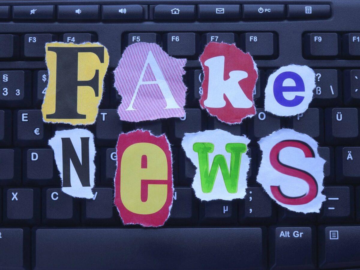 Fake News auf Keyboard