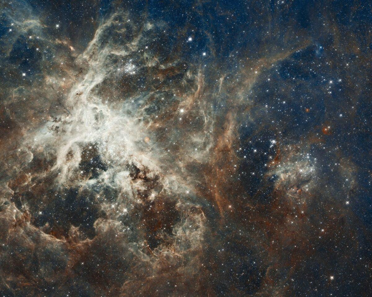 Universum mit Galaxie und Sternen