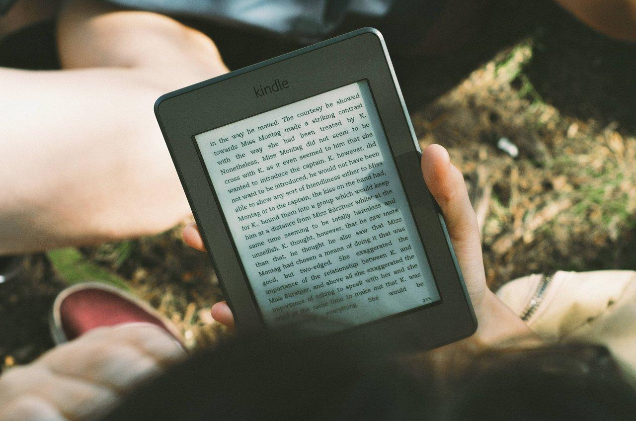 Dank matter Bildschirme eignen sich Kindles auch bei Sonnenschein zum Lesen.
