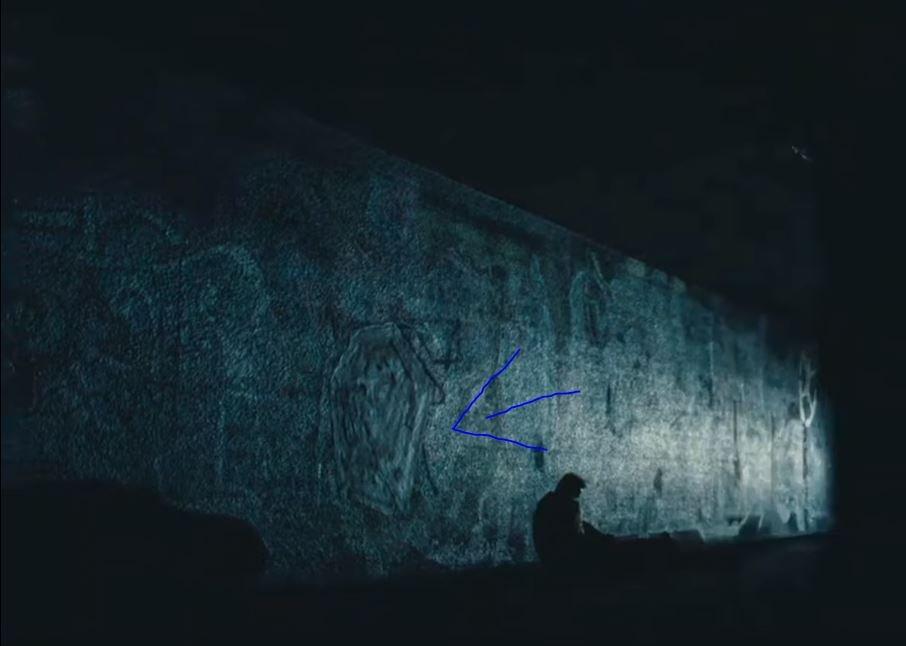 """Was hat es mit dem """"Maze""""-Graffiti an der Wand in der realen Welt auf sich? Der Comic-Con """"Westworld"""" Staffel 3 Trailer wirft viele Fragen auf."""