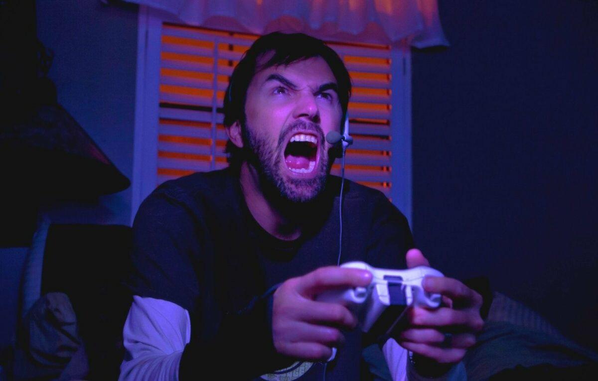 Wütender PlayStation-Spieler