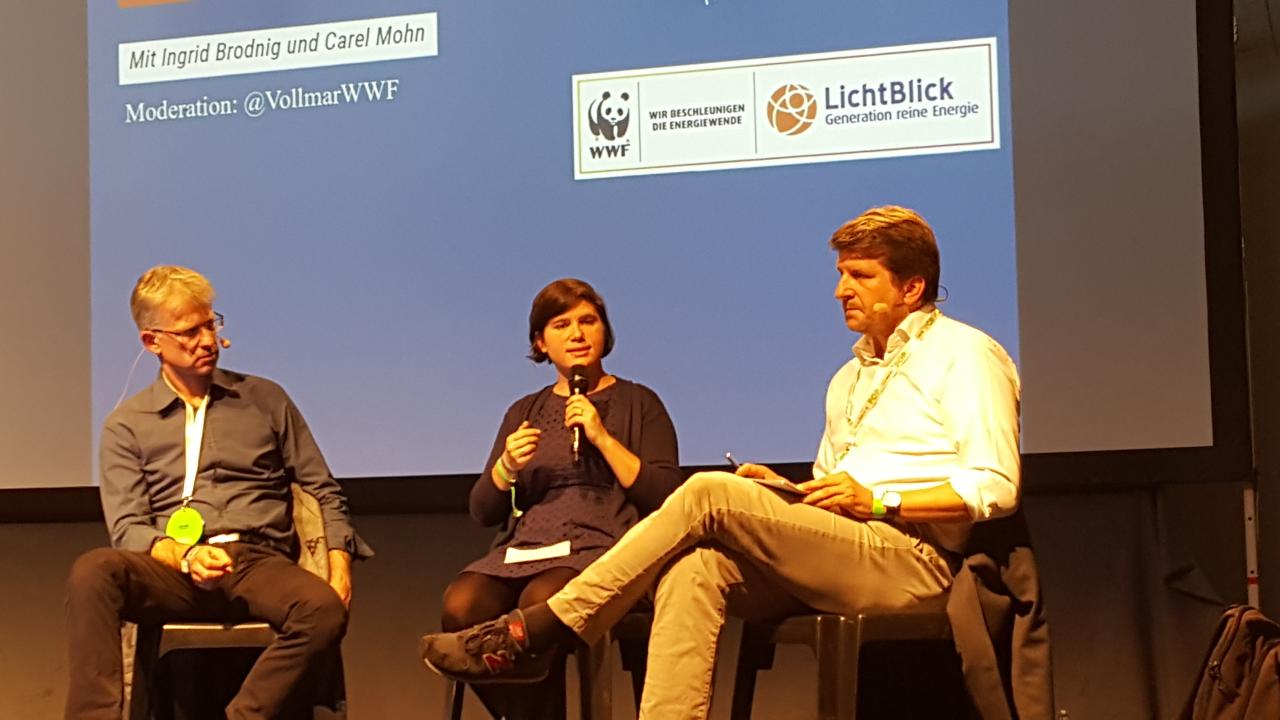 """""""Zugehörigkeits- und Identitätsgefühl siegt eben über Bildung"""", sagt Carel Mohn auf der re:publica."""