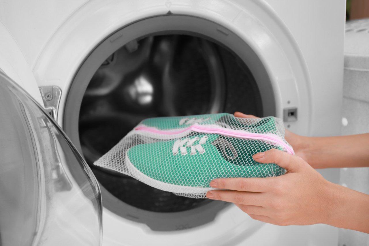 Ein Wäschenetz kann Wunder wirken.