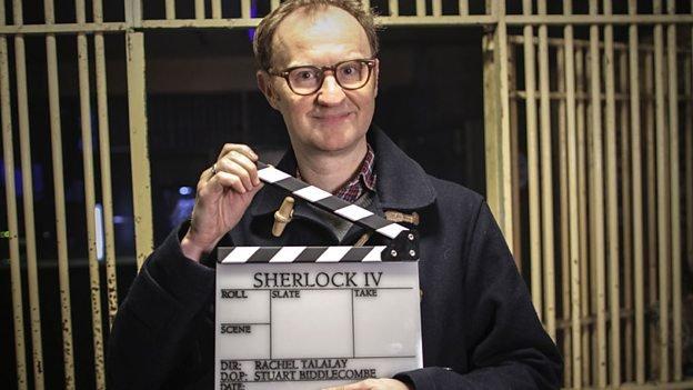 """Mark Gatiss ist der Produzent und einer der Drehbuchautoren von """"Sherlock"""". Und er spielt Sherlocks Bruder Mycroft."""