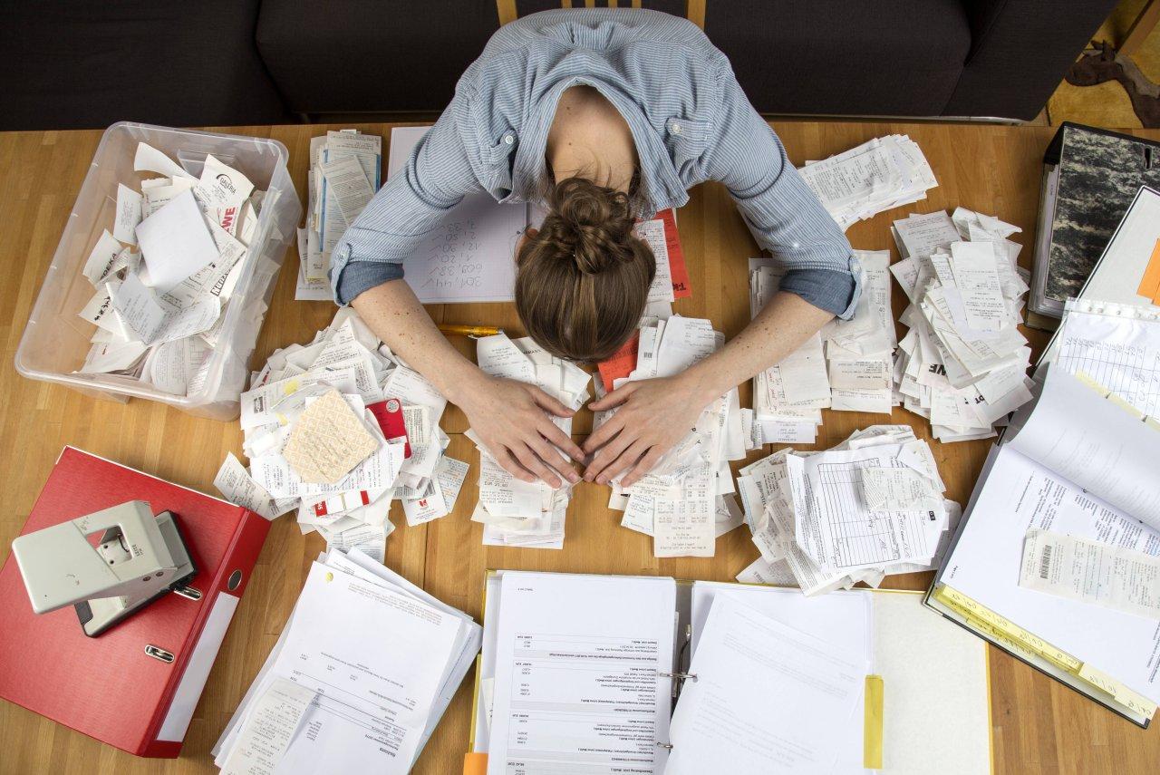 Zu viel Papier? Dann mach deine Steuererklärung 2018 online und kostenlos.