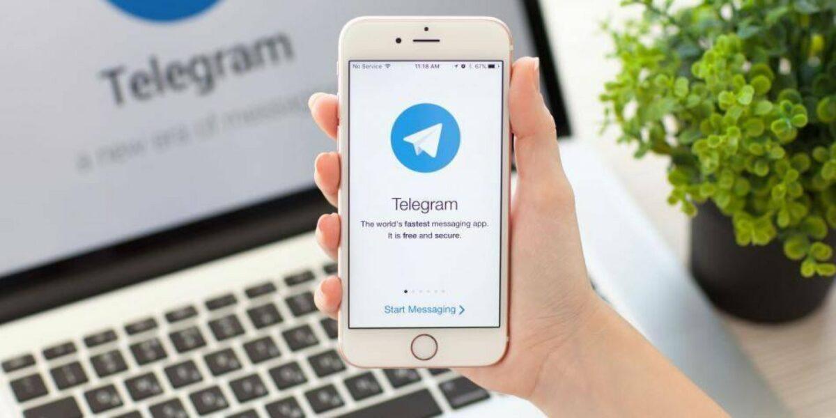 Telegram am Handy und PC.