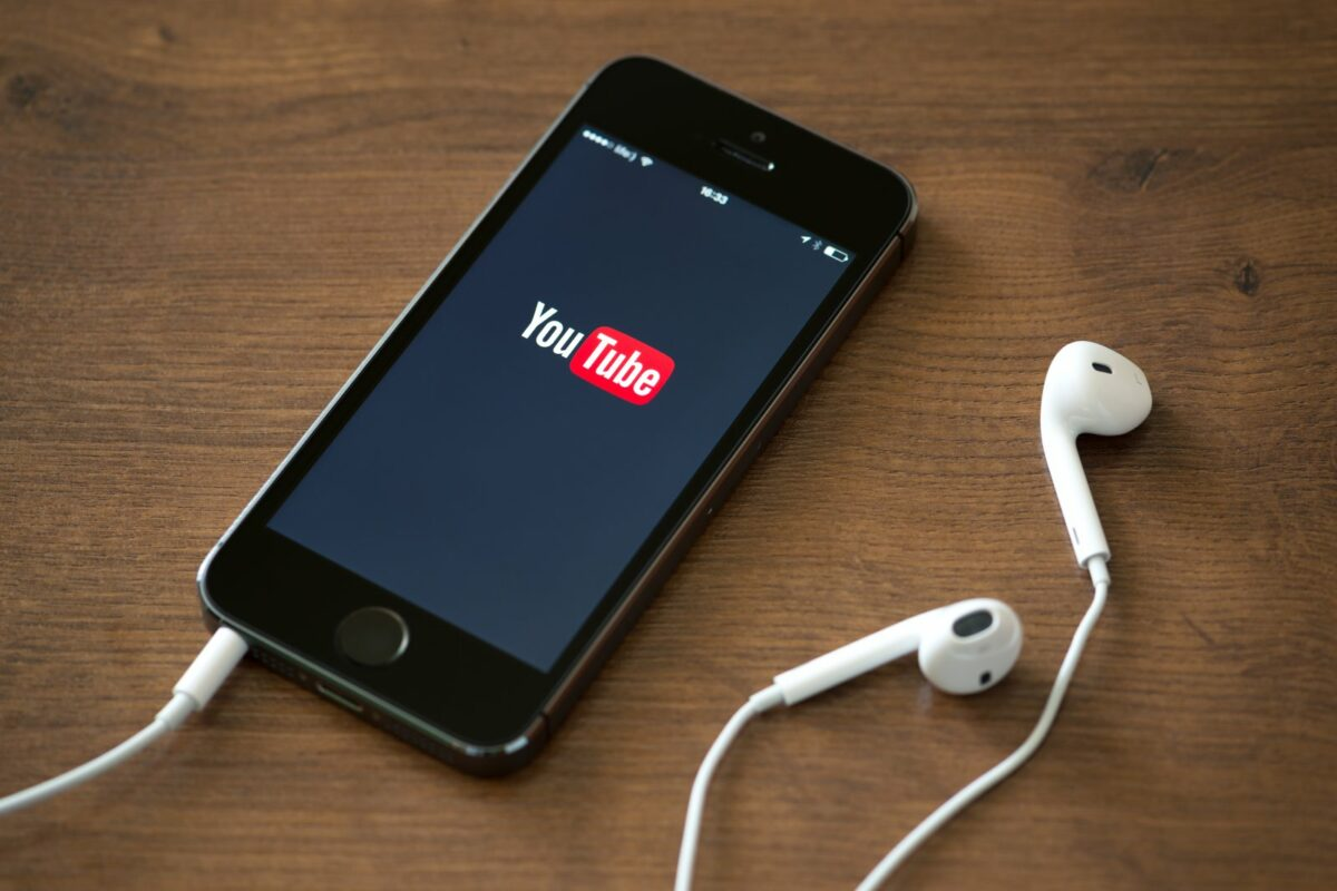 youtube iphone smartphone
