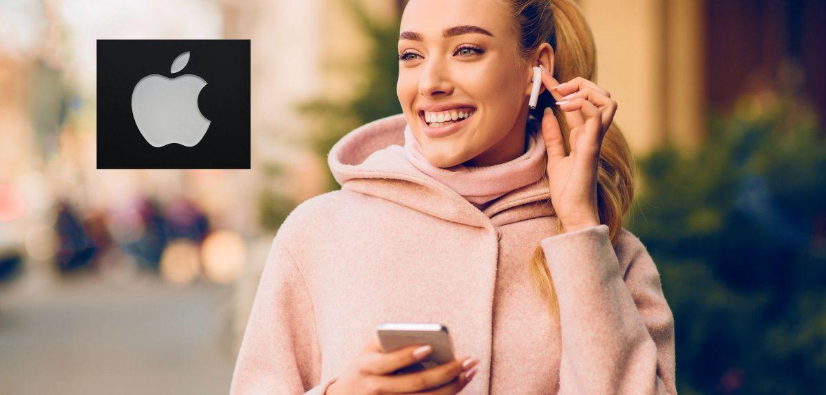 Frau mit In-Ear-Ohrhörern.