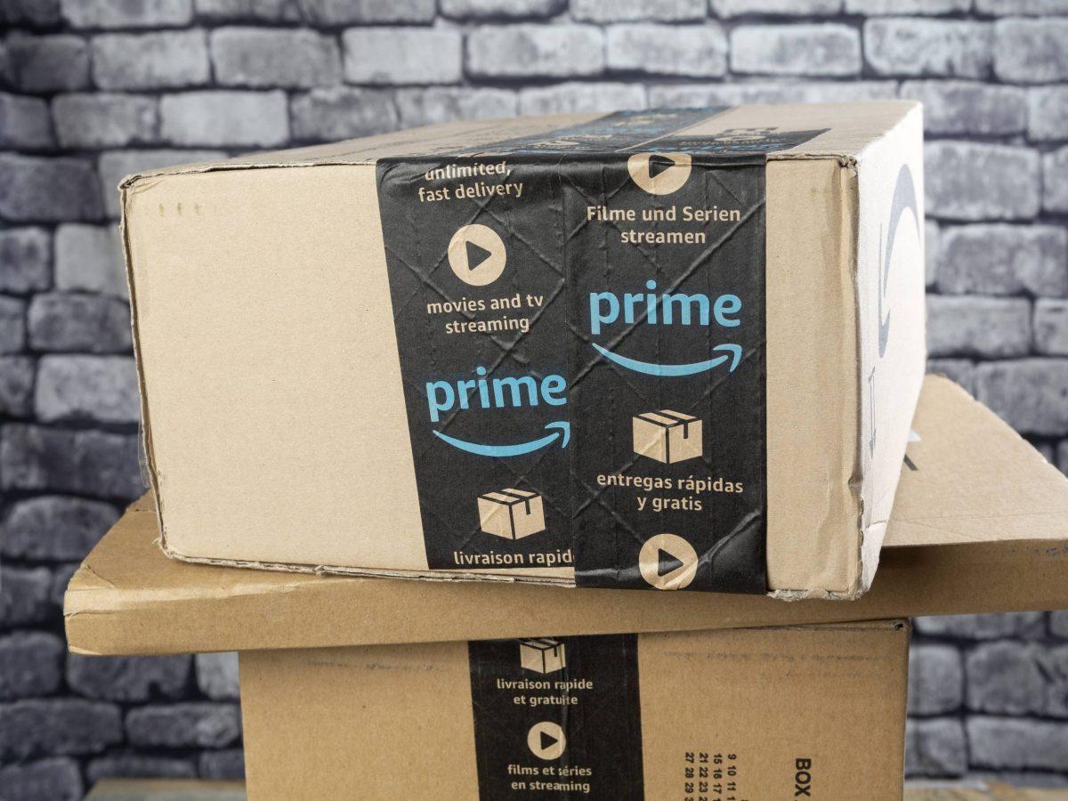drei Amazon Prime-Pakete