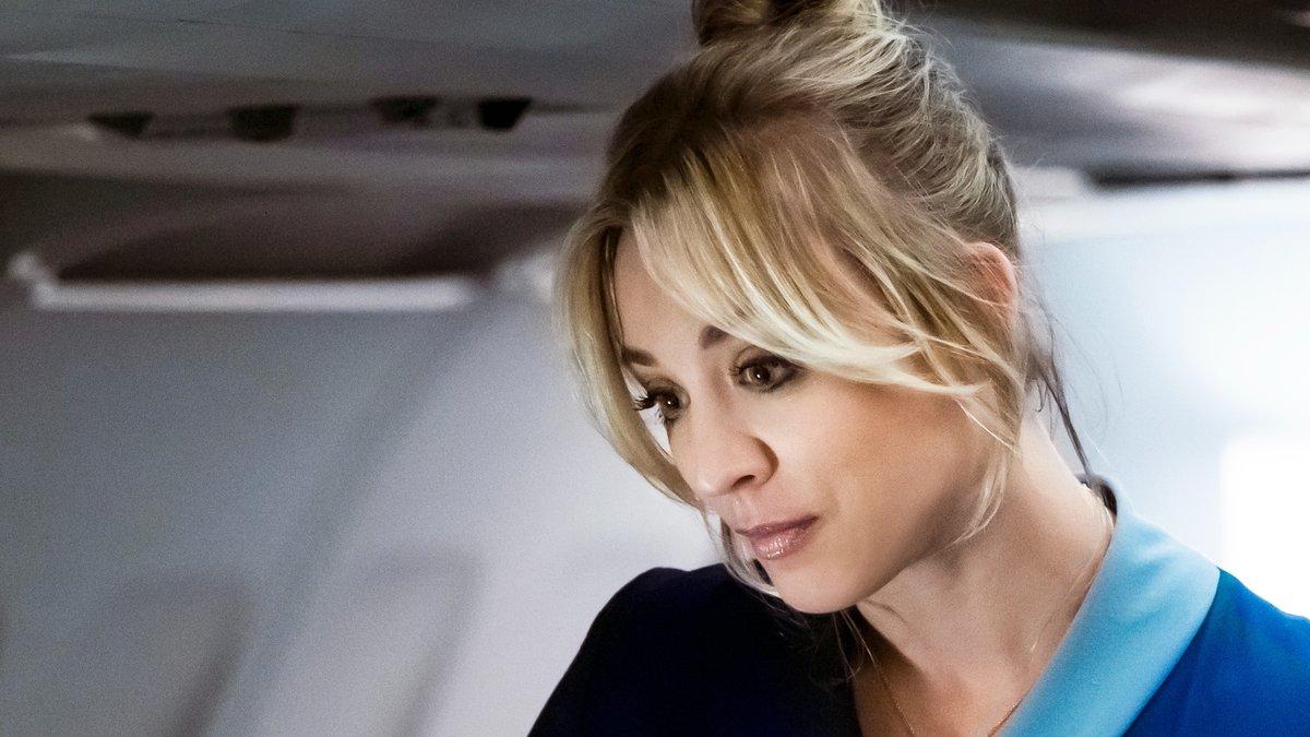 Flugbegleiterin wird Ermittlerin: Kaley Cuoco als Cassie will ihre Unschuld beweisen.. © 2020 WarnerMedia Direct