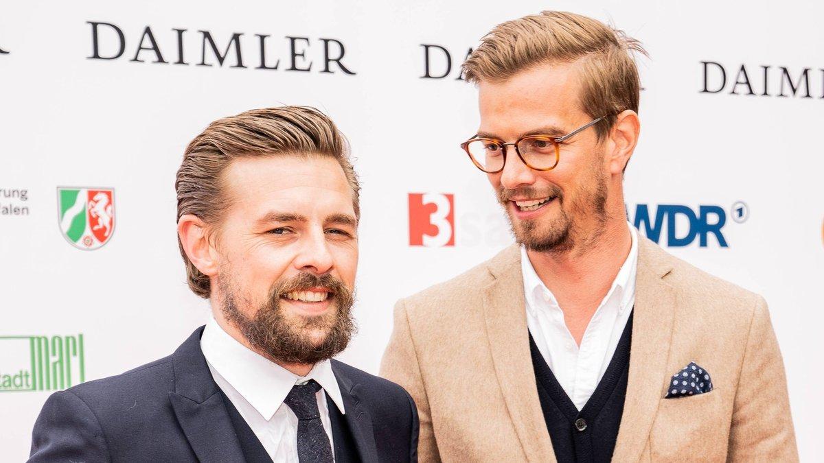 Klaas Heufer-Umlauf (l.) und Joko Winterscheidt spielen ab November wieder gegen ProSieben.. © imago images/Chris Emil Janßen