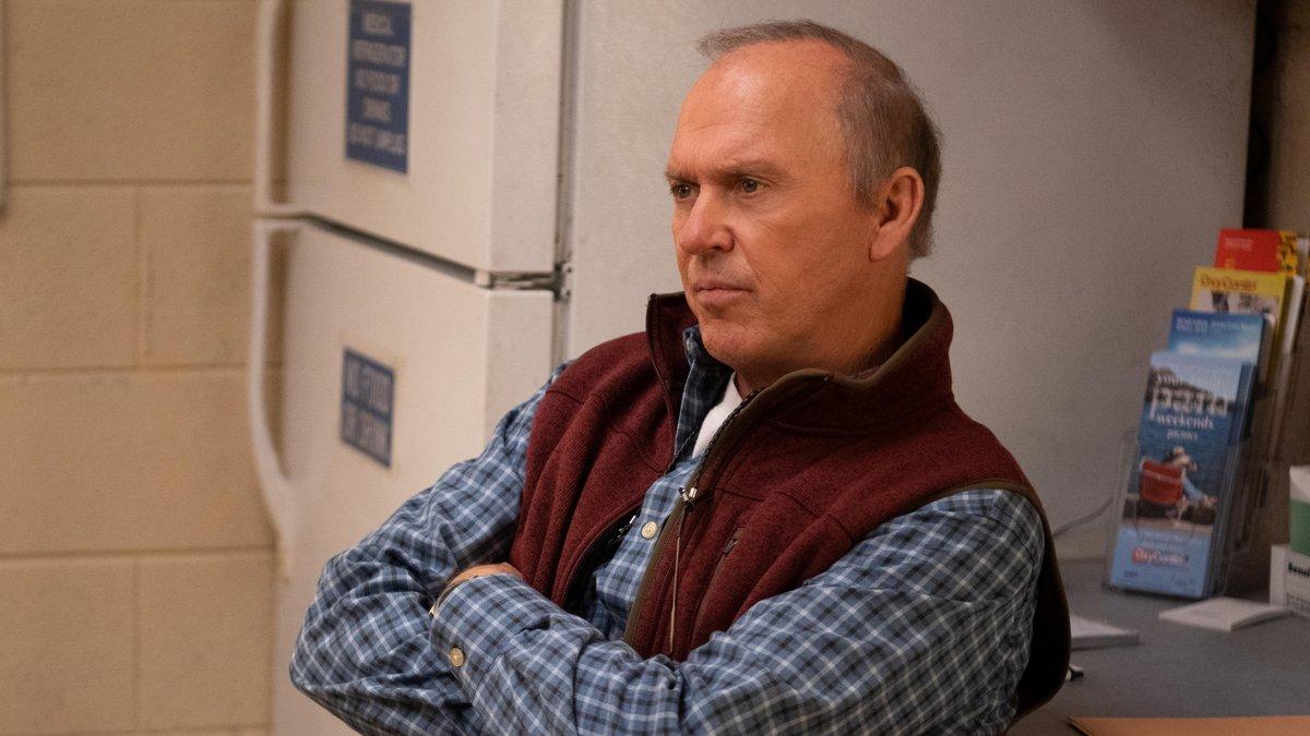 """Michael Keaton läuft in """"Dopesick"""" erneut zur Höchstform auf.. © 2021 Hulu"""